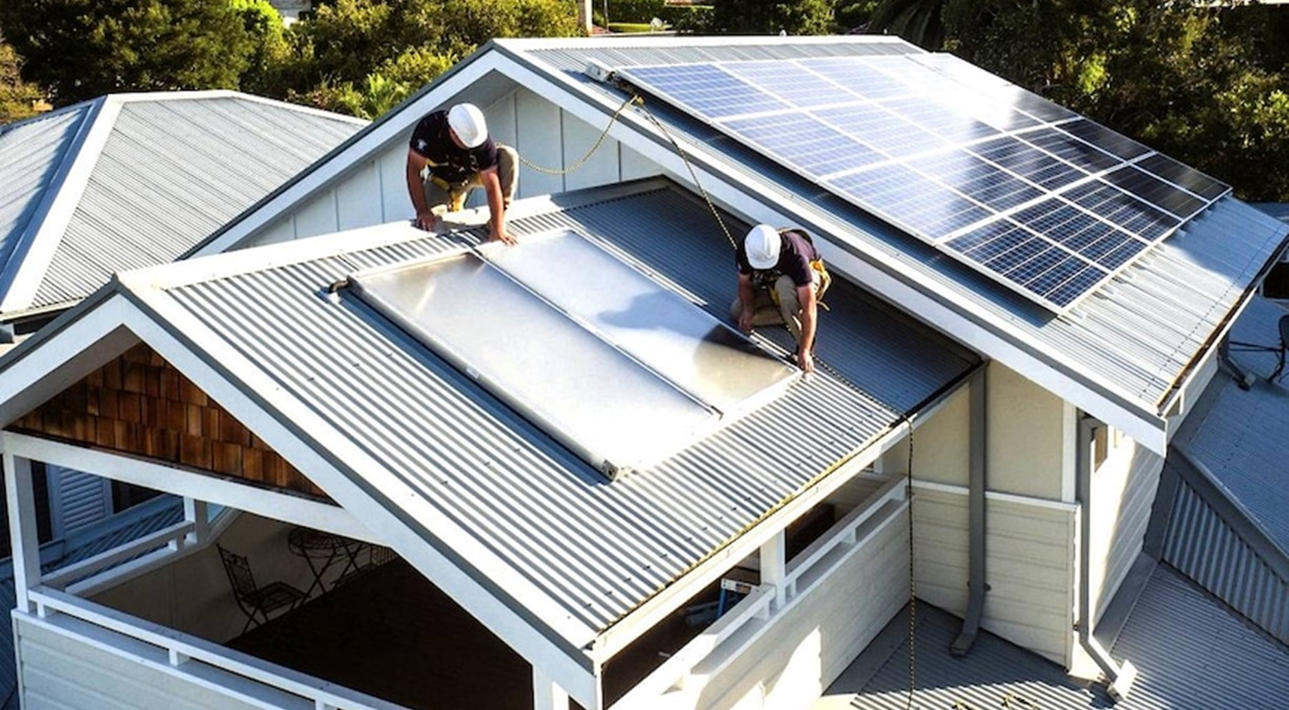Should I install solar and batteries? - featured image
