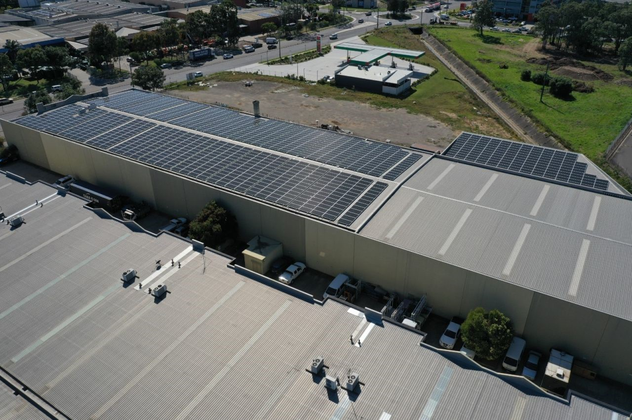 Are commercial solar panels worth the investment? - featured image